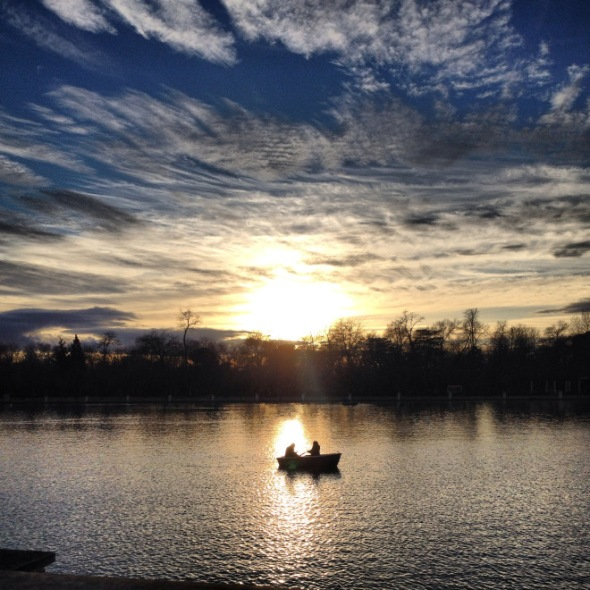 pond-sunset-boat